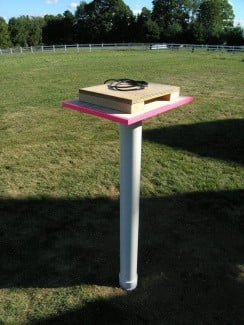 backyard-theater-projector-pvc-stand-vertical