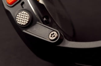 Garmin-fenix-hinge-close-up