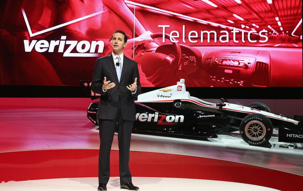 verizon vehicle promises to turn any car into a smart one