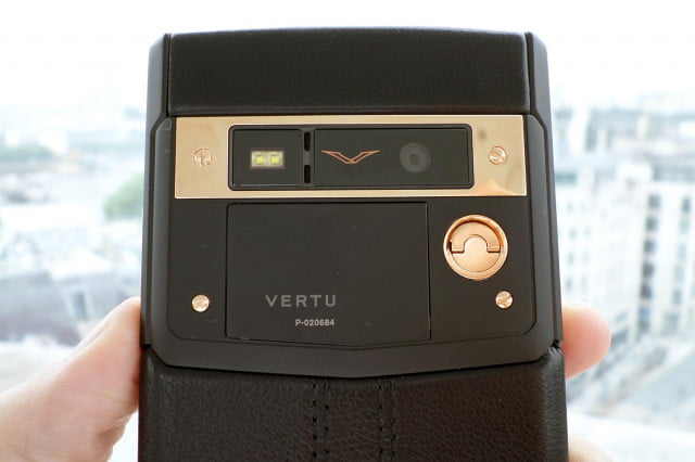 vertu bentley smartphone coming year signature touch