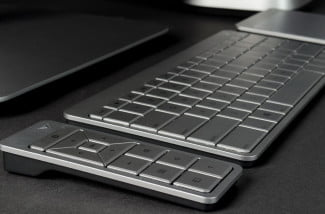 Vizio All in One Touch 24 review keyboard angle