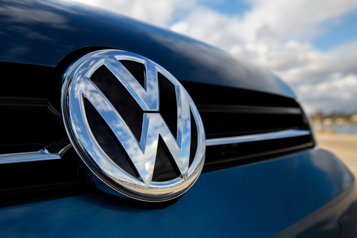 volkswagen executive bonus cuts emblem