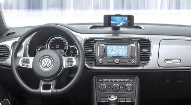 volkswagen-ibeetle-iPhone-dock-dashboard