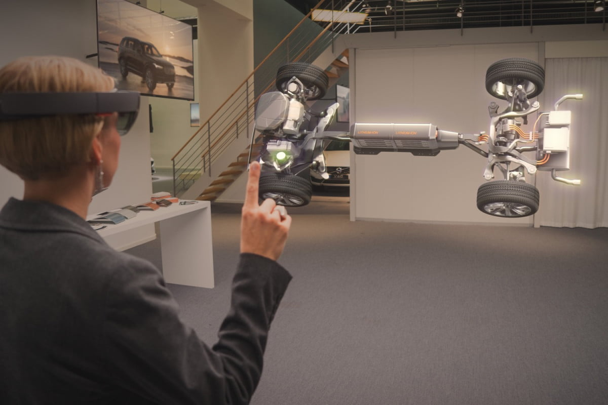 volvo wants to take car buying virtual with microsofts hololens cars microsoft