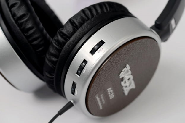 vox aphn ac 30 review headphones controls gain tone over the ear headphones