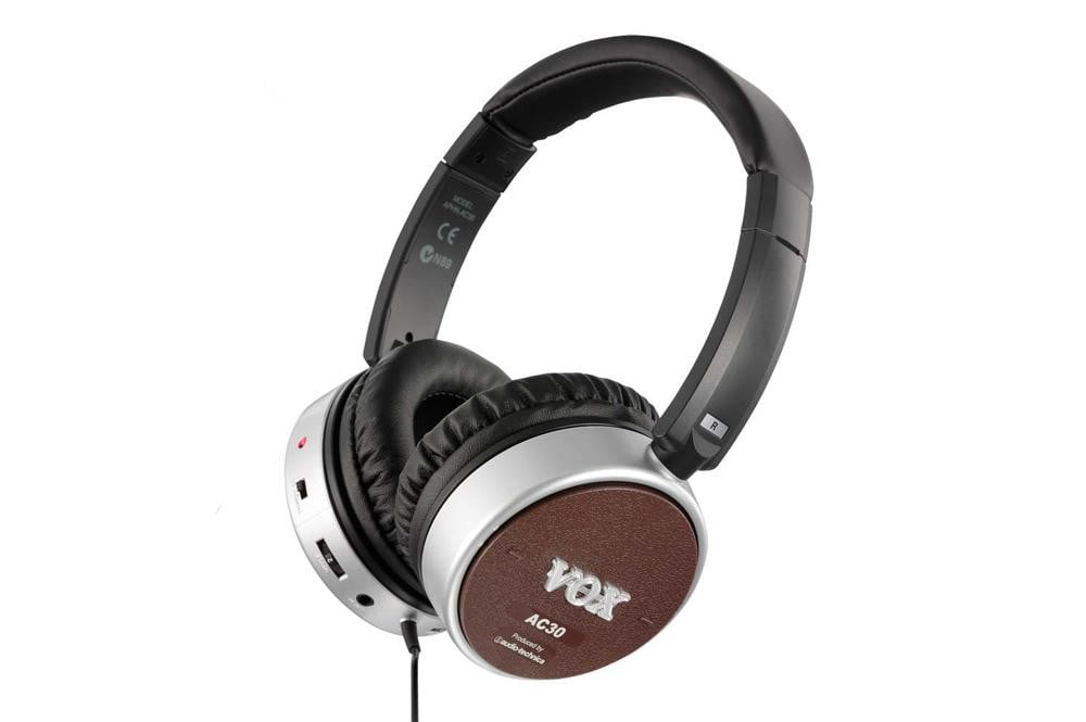 vox-aphn-ac-30-review-headphones-press