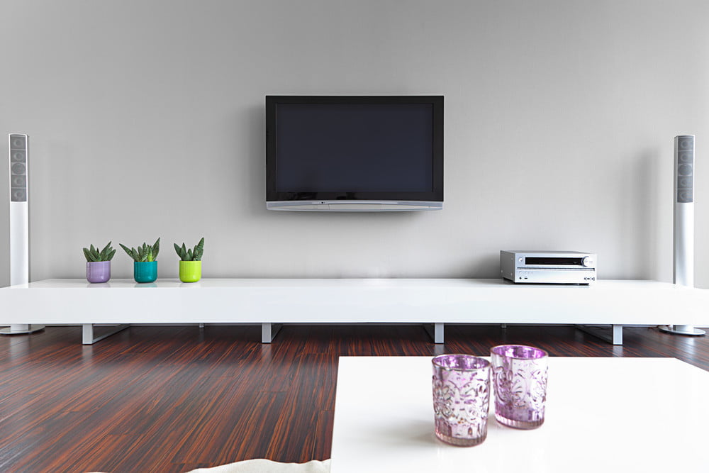 tips and tricks for wall mounting your tv digital trends. Black Bedroom Furniture Sets. Home Design Ideas