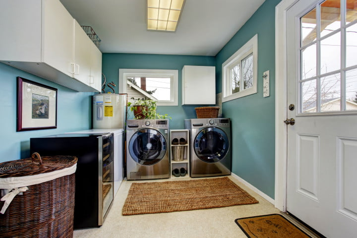 washer_dryer_in_room