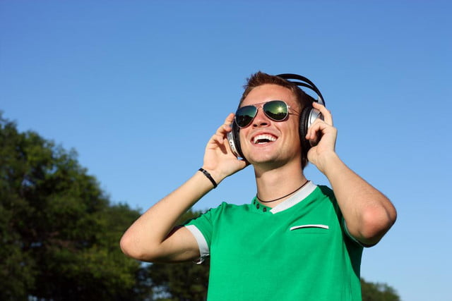 new app aims to make distracted walking accidents a thing of the past wearing headphones