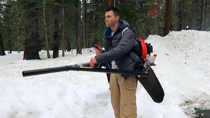 Weekend-Workshop--Build-a-semi-automatic-snowball-launcher