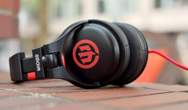 Wicked Audio Solus Review side dj headphones