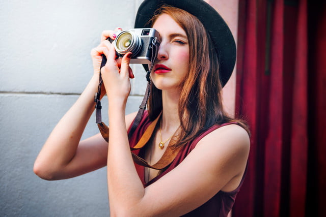 erik kim street photography invisible  tips woman photographer outside concept