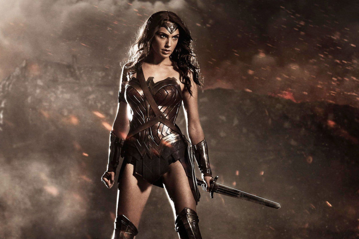 suicide squad wonder woman trailers in batman v superman dawn of justice
