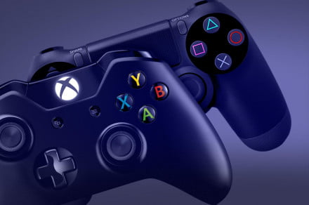 Xbox One vs PlayStation 4 Controllers