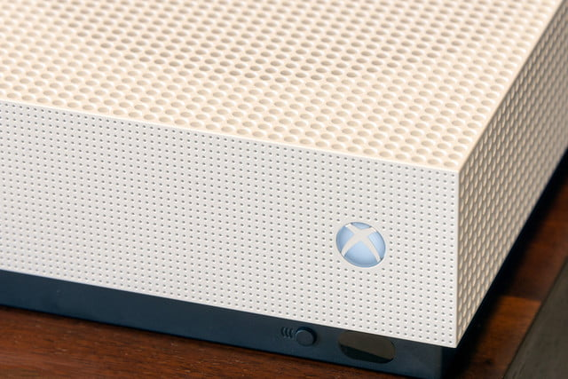 how to redeem a code on your xbox one s