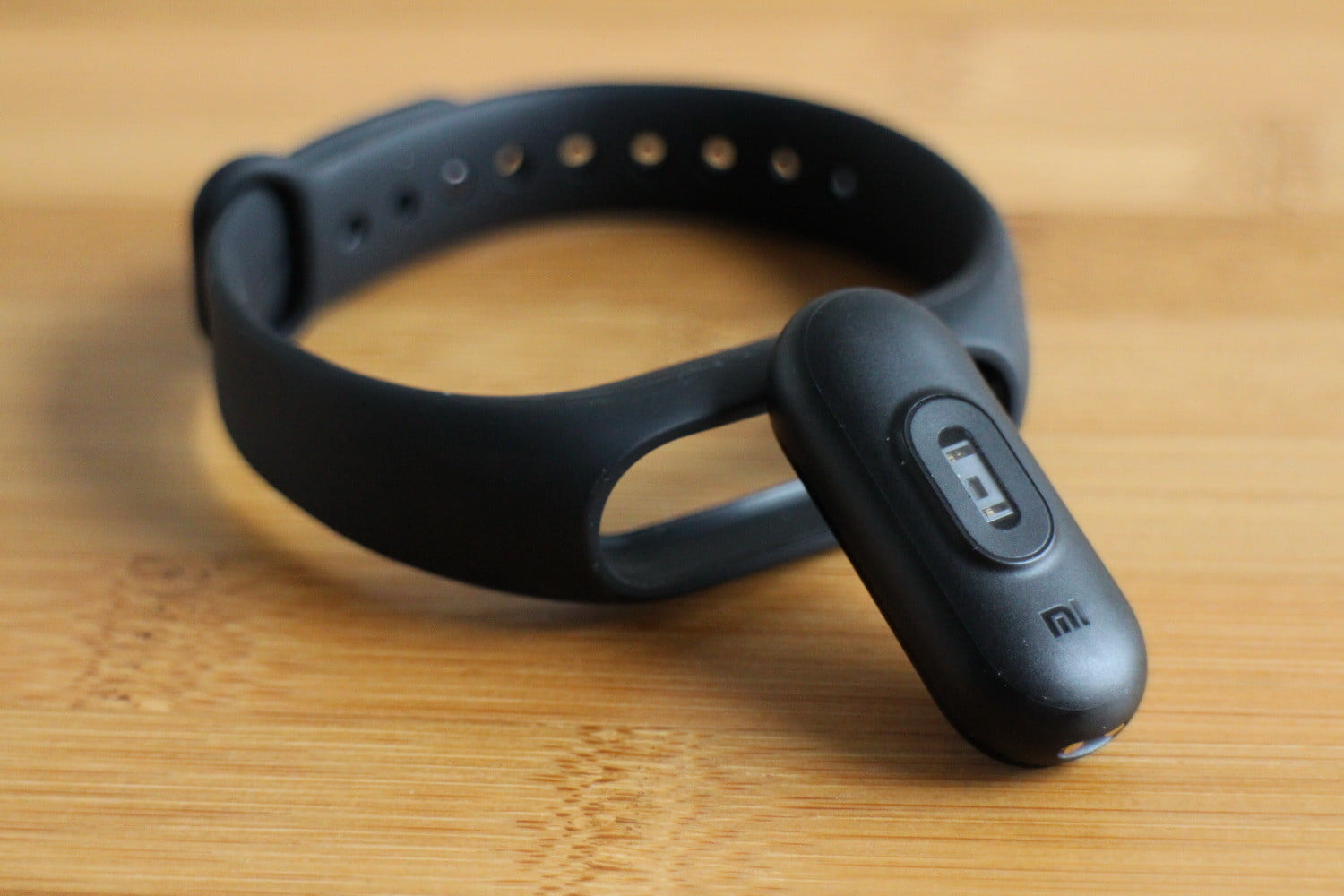xiaomi mi band 2 review digital trends. Black Bedroom Furniture Sets. Home Design Ideas