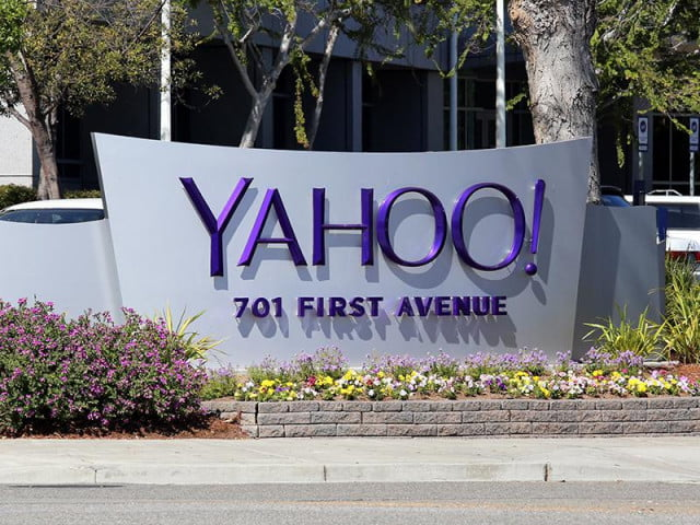 yahoo email spying lawsuit news sign