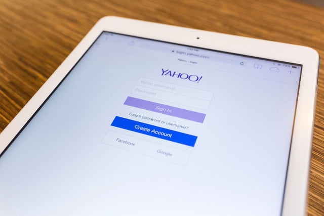 yahoo  million accounts hacked on tablet