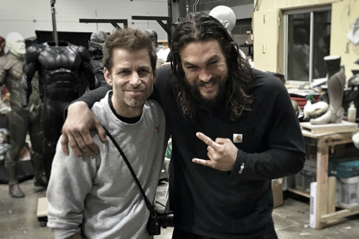 the flash movie costume justice league zack snyder jason momoa