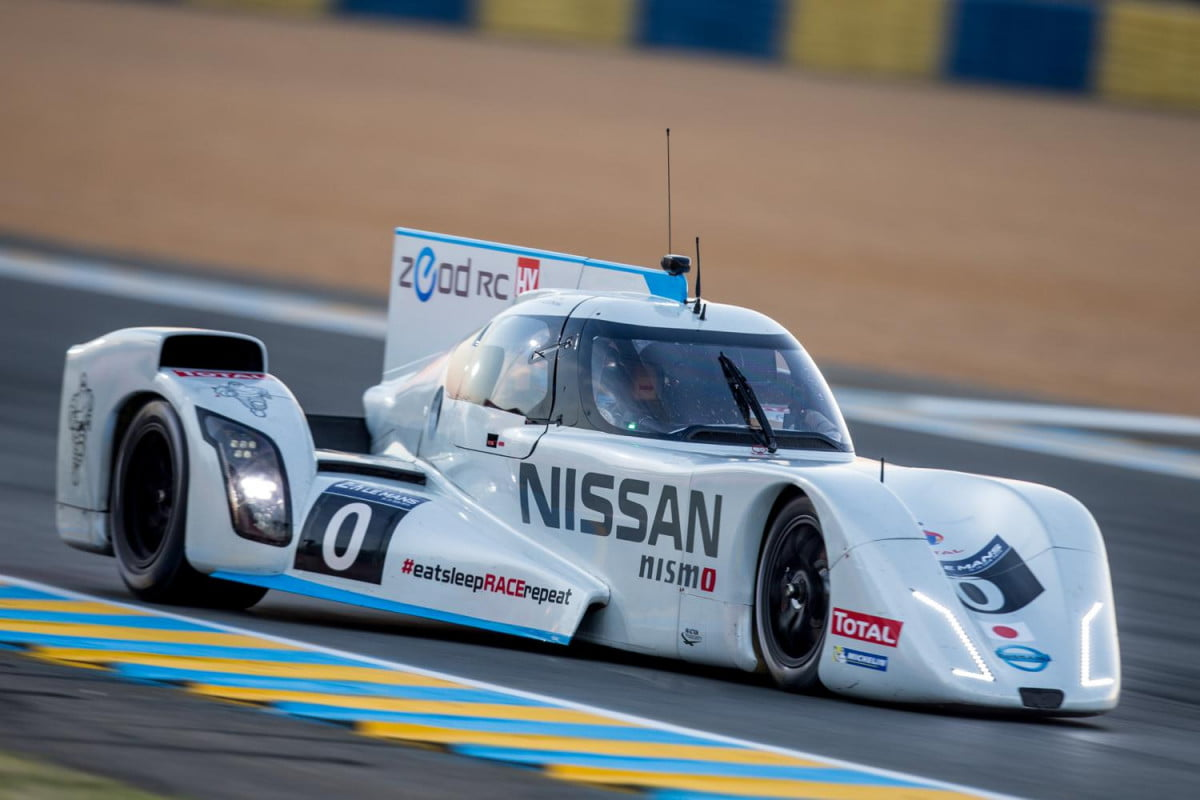 nissan zeod rc completes all electric le mans lap