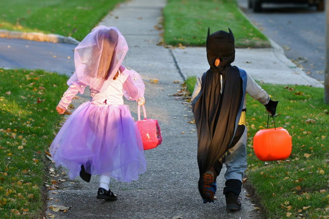 zillow says these are the  best cities for trick or treating halloween