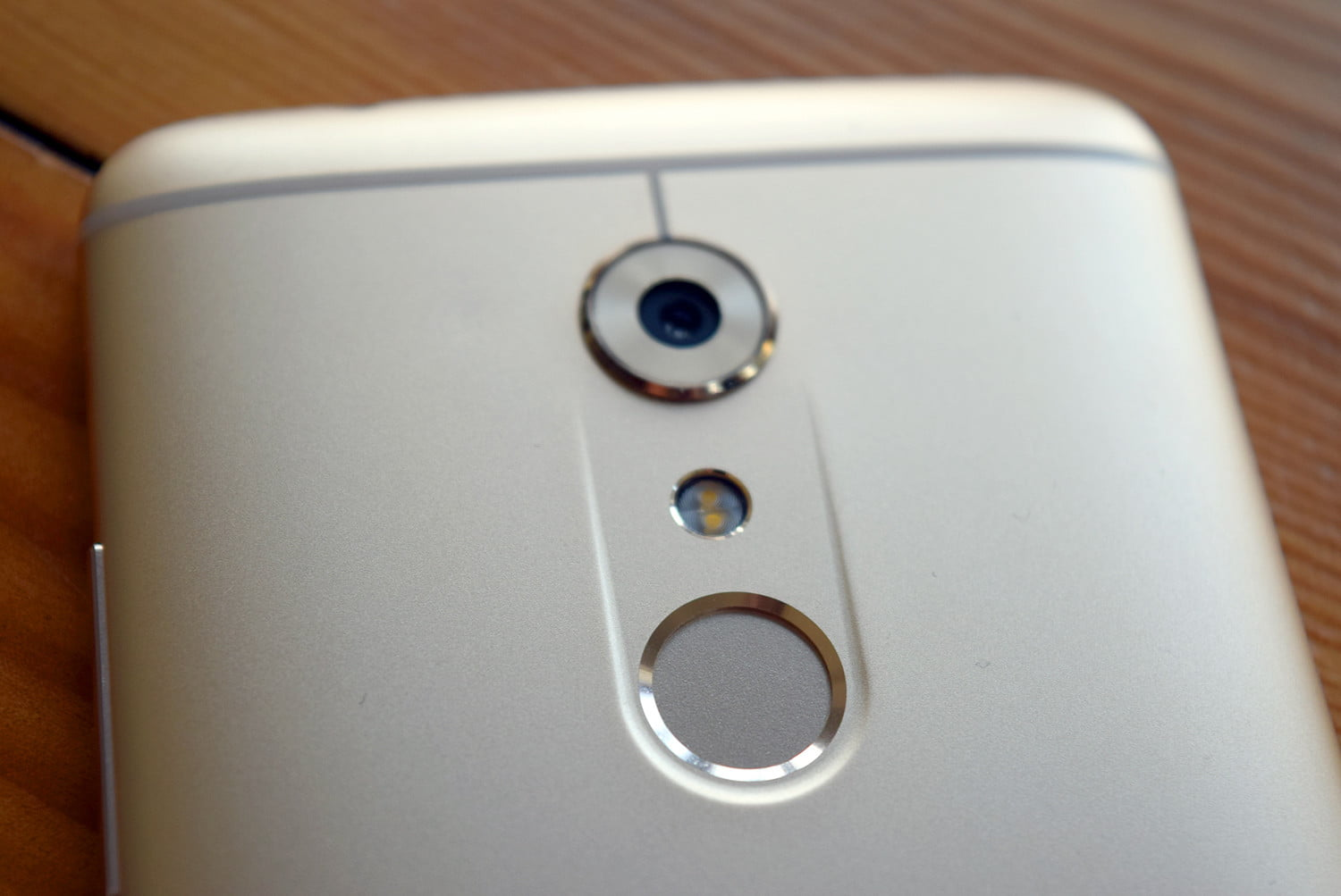 The Axon 7 Is Running Close To Stock Android 6 Marshmallow