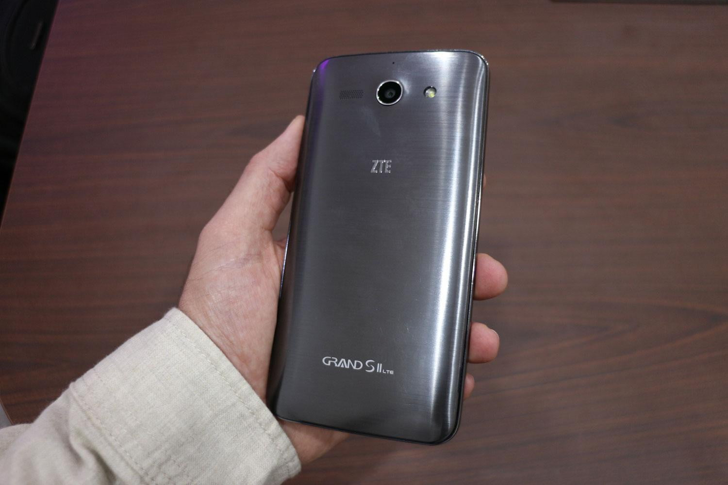 the zte grand 2 bubbles stick around