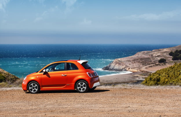 fiat 500e ev customers will get free rental cars to ease range