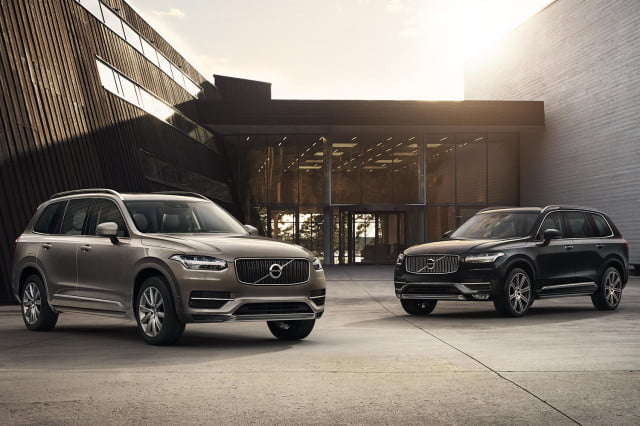 2015 Volvo XC90 side by side