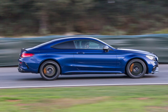 2017-Mercedes-AMG-C63-S-Coupe_024