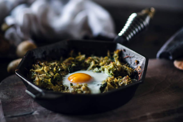 A-quick-guide-to-cooking-with-cast-iron_