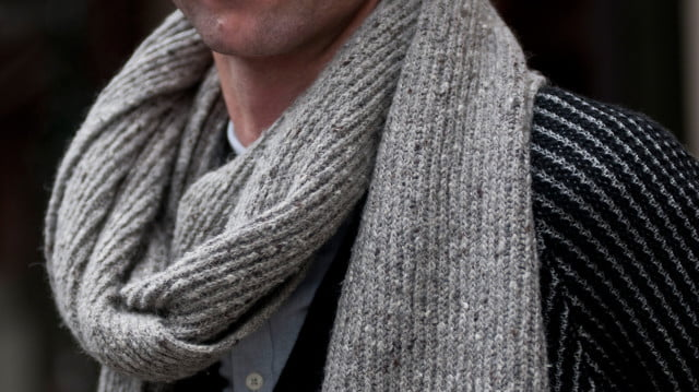 How-to-tie-a-scarf-like-a-boss_