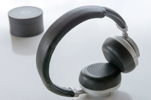 Master and Dynamic MW50 Review: Go Wireless In Style