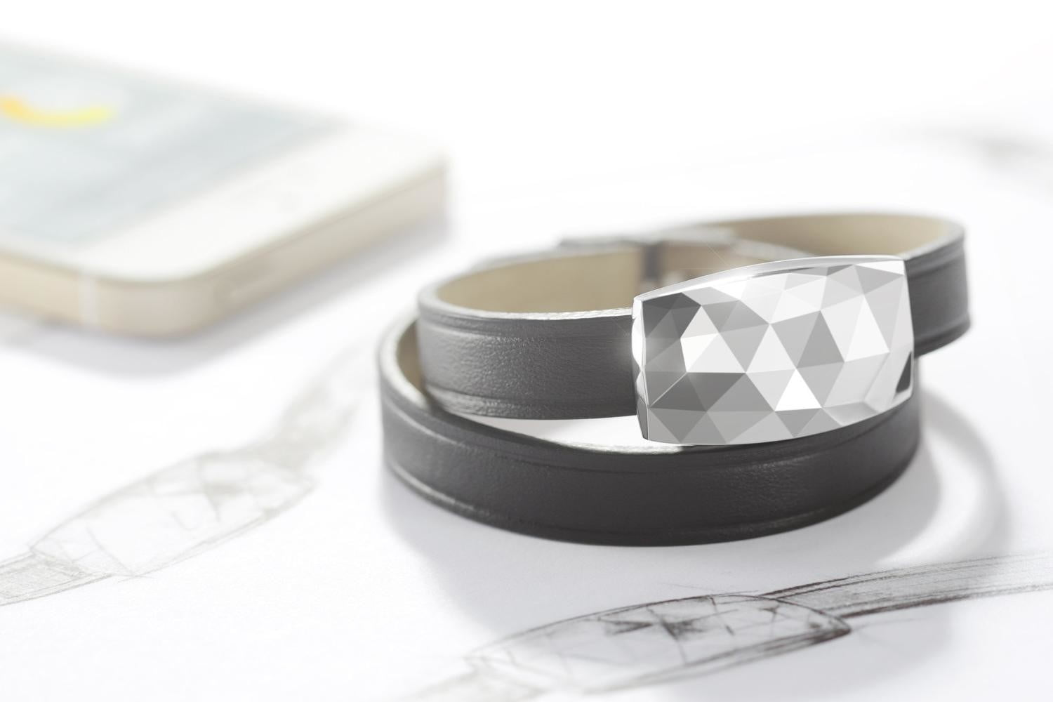 ba779396e07b 7 Pieces of Jewelry that Double as Fashionable Tech