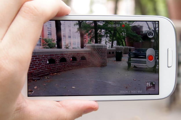 Samsung Galaxy S3 review screen taking photo horizontal recording