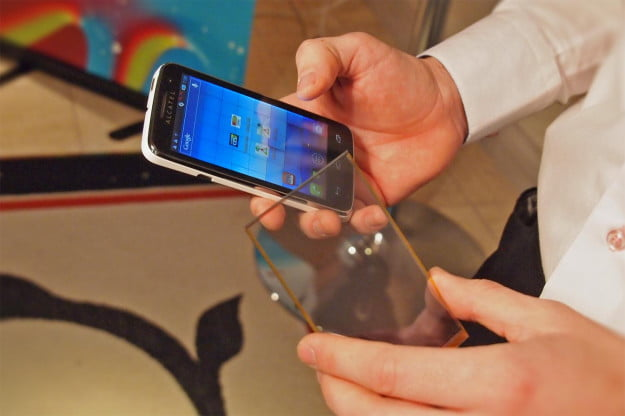 Wysips Solar Charging Screen Could Eliminate Chargers and Wi-Fi