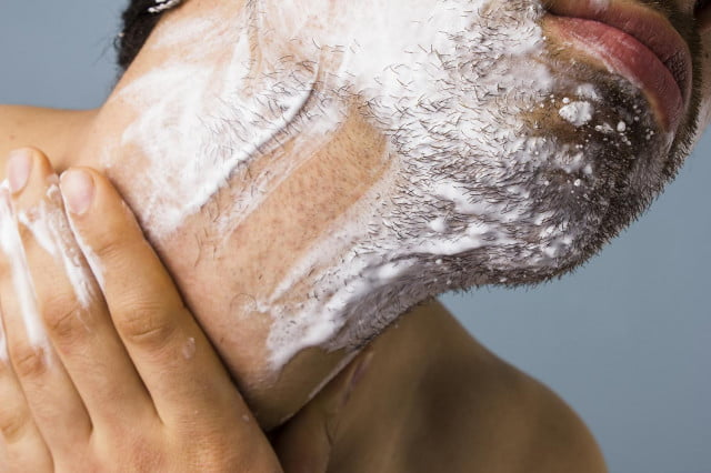 The Manual Guide: How to prevent razor burn
