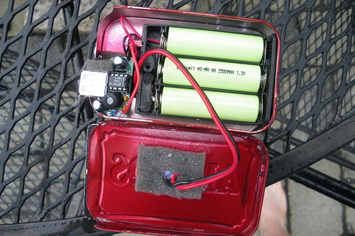 Weekend Workshop: How to build a DIY solar charger out of Altoid tins