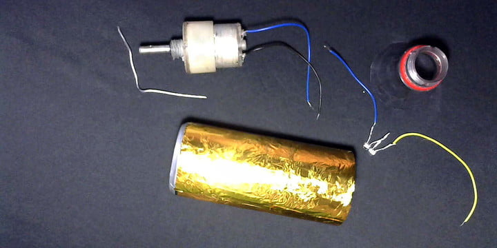 Weekend Workshop: How to easily build a DIY hand-powered LED flashlight