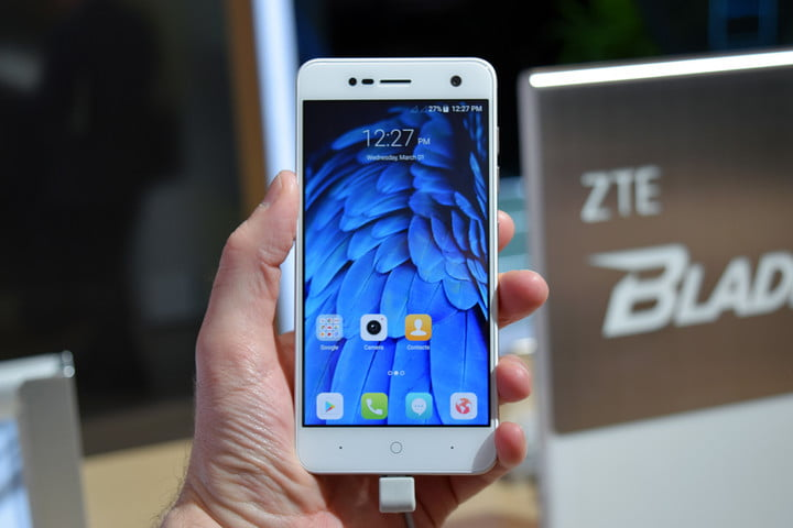 six fun quirky chinese smartphones mwc 2017 zte blade v8 mini 3